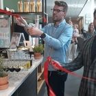 Lenno Munnikes and Lars Vierbergen at the opening of the new foodcourt at AUAS Sports and food campus